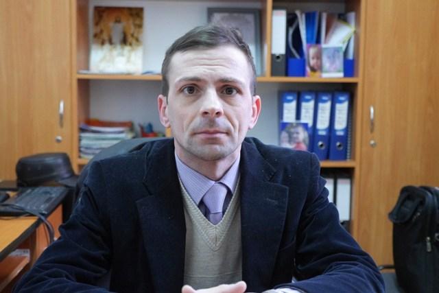 PROF. CIRA CONSTANTIN  DIRECTOR AL ȘCOLII GIMNAZIALE BÂRGAUANI
